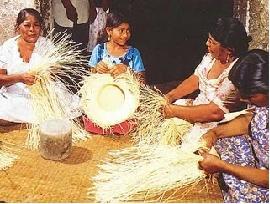 Voyage et Tourisme au Pérou - Confection de paniers et chapeaux
